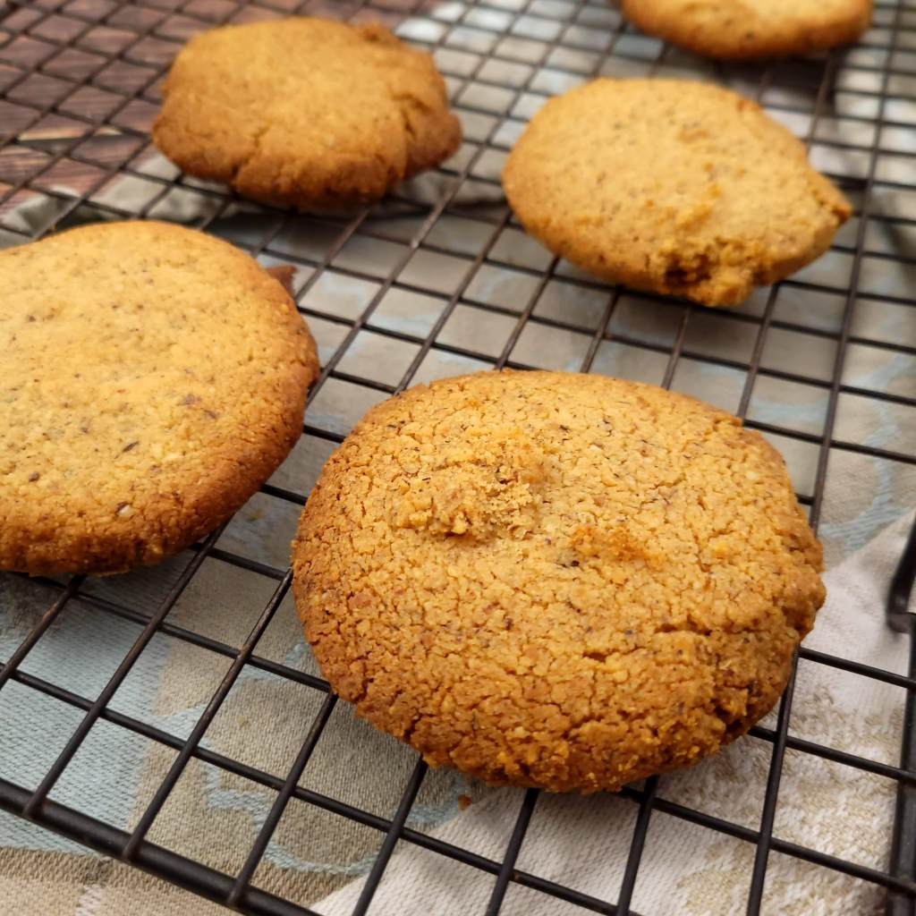 Spicebush seasoned gluten free shortbread cookies